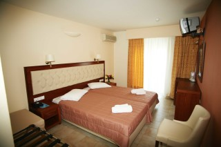 double room la cite hotel bedroom