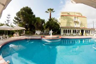 gallery la cite hotel pool