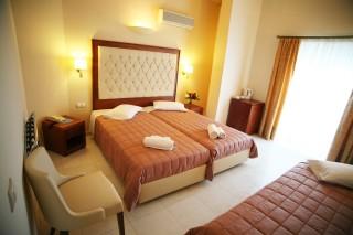 triple room la cite hotel bedroom